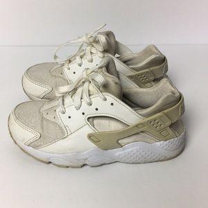 Boys Nike Huarache Shoes size 1Y